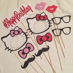 Hello Kitty Photo Booth Props Party by CindyGCastillo Hello Kitty Gifts, Hello Kitty Photos, Hello Kitty Themes, Hello Kitty Cake, Happy Kitty, Hello Kitty Birthday Theme, 21st Birthday, Anniversaire Hello Kitty, Hello Kitty Wallpaper