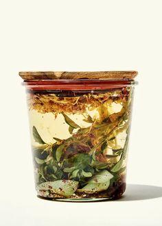 OXYMEL: Zoznámte sa s čarovným starovekým životabudičom - Herbárium Projekt Shrub Recipe, Tonic Drink, Wellness Shots, Marshmallow Root, Natural Beauty Recipes, Edible Flowers, Indiana Jones, Natural Cleaning Products, Medicinal Plants
