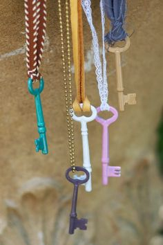 Marvellous DIY Wind Chimes #keys #upcycle