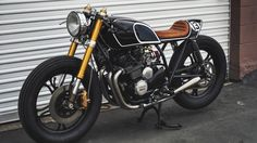 Yamaha XJ550 SECA Cafe Racer by Thirteen and Company #motorcycles #caferacer #motos | caferacerpasion.com