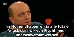 Bernhard Hoëcker erklärt es ganz einfach.