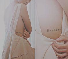 17x tattoos met een inspirerende tekst