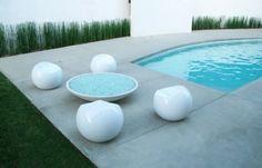glass fire pit  <3 Glass Fire Pit, Fire Pits, Swimming Pool Designs, Swimming Pools, Pool Picture, Modern Pools, Pool Decks, Interior Decorating, Backyard