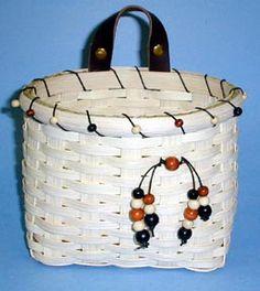 Leather & Beads Wall Basket Pattern