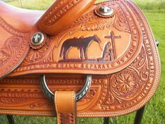 Most beautiful saddle I've ever seen. need to buy it!!!!!