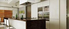 świetne rozwiązanie dużej przestrzeni kuchennej. Kolory wnętrza, które sprawiają, że chce się w niej przebywać ;) http://www.abrys.net/projekty-wnetrz/