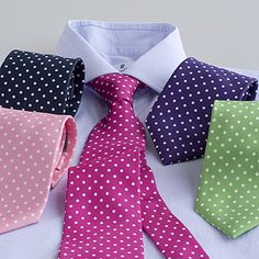 Add pattern to a plain wedding suit with a polka dot tie - just match the colour to your theme Sharp Dressed Man, Well Dressed Men, Look Formal, Formal Wear, Dots Fashion, Men Fashion, Polka Dot Wedding, Polka Dot Tie, Cool Ties