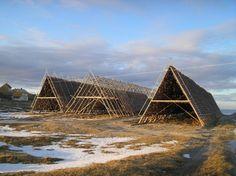 TECTÓNICAblog » Secado de bacalao en las islas Lofoten #HattvikaLodge