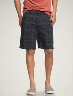 dark plaid, but minus the greenish hue.  MM SAYS: Men's casual shorts should fit just like these at the waist and knee. Love the solid dark plaid because doesn't bring too much attention to the bottom half. Depending on the occasion, either wear with a crisp T-shirt and casual shoes or dress them up with a short/long-sleeve buttoned down shirt and belt.