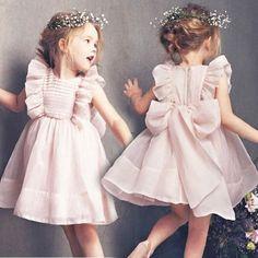 Best 12 Children dress cotton 48 Ideas Page 639792690793974813 SkillOfKing. Frocks For Girls, Kids Frocks, Little Girl Outfits, Baby Outfits, Little Girl Dresses, Girls Dresses, Flower Girl Dresses, Toddler Girl Dresses, Girls Frock Design