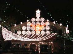 Austin, Texas 2010: Magical Christmas Lights Display and Musical Show at Mozart's Coffee