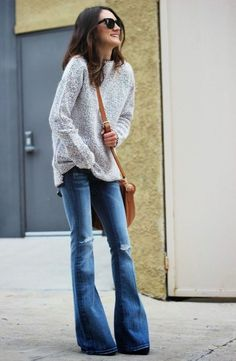 Currently what I have in my assemblage is a beautiful post of How To Wear Flared Jeans. It's officially, flared jeans are back in style. This time I want to Flare Jeans Outfit, Jeans Outfit Winter, Flare Leg Jeans, High Waist Jeans, High Jeans, Outfit Summer, Skinny Jeans, Mode Outfits, Jean Outfits