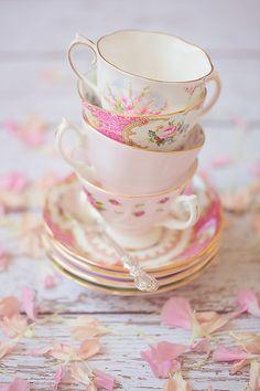 Royal tea. (by ǝıqqǝp)