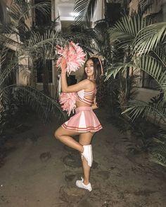 Líder de torcida  #cheerleaders  #universodasfantasias Halloween Make, Halloween Outfits, Beauty Makeup, Hair Makeup, Hair Beauty, Cheerleaders, Vogue, Girl Fashion, Costumes