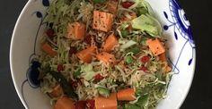 Sund spidskålssalat med fuldkornsris, quinoa og søde kartoffel ‹ healthyskinnybitch.dk