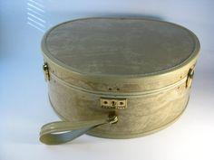 Vintage Samsonite White Champagne Marble Round Travel Case - Vintage Samsonite Hat Case