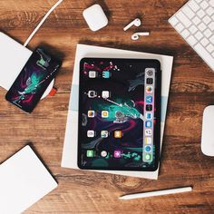 Love to have the iPad Pro but sadly 😞 I don't because I like to draw New Apple Ipad Pro, New Ipad, Iphone 5se, Apple Watch Iphone, Accessoires Iphone, Tablets, Apple Products, Tech Gadgets, Computer