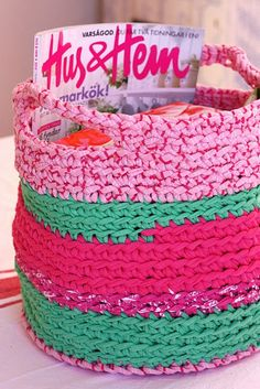 Crochet basket, made with tricot.