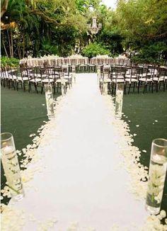 Circular wedding ceremony--- Jami's suggestion... pondering the idea