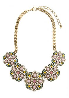 Add #color in a gloomy day with the Rainbow Statement #Necklace 24,90 € #happinessbtq