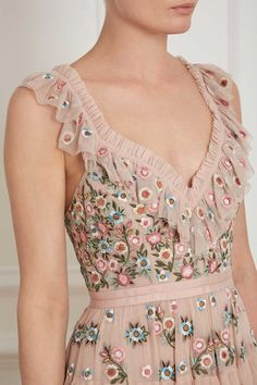 Whimsical Dress in Rose Quartz from the Pre-Fall 18 Needle & Thread collection. Pretty Outfits, Pretty Dresses, Beautiful Outfits, Whimsical Fashion, Whimsical Dress, Embroidery Dress, Mode Inspiration, Mode Style, Fashion Dresses