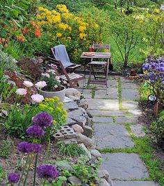 10 Blessed Clever Hacks: Backyard Garden Shed Ideas backyard garden retreat landscaping ideas.Mini Backyard Garden Yards backyard garden shed ideas. Garden Sitting Areas, Garden Cottage, Garden Nook, Garden Path, Cacti Garden, Garden Spaces, Dream Garden, Garden Projects, Backyard Projects
