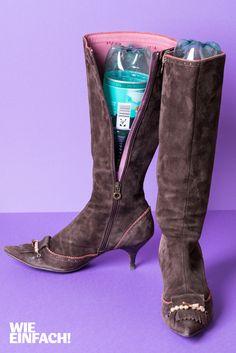 Meist hat man mehr Stiefel als Stiefelspanner. Einfach zwei PET-Flaschen in die Stiefel stecken, ist günstiger und tut's genauso. Foto: Torsten Kollmer