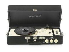 Ricatech RTT98 Vintage Turntable with Built-In Speaker - Black: Amazon.co.uk: TV