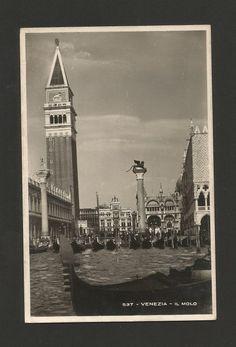 POSTCARD ITALIE ITALIA ITALY VENICE VENEZIA GONDOLA BOATS BOAT GONDOLAS 1930s z1