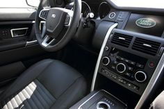 It can be really challenging to keep a clean car, but have you ever noticed how some people make it look easy? Here are some car interior cleaning tricks so you can make it look easy too! Car Cleaning Hacks, Car Hacks, Cleaning Schedules, Diy Interior Doors, Interior Design, Console Centrale, Used Cars Movie, Car Buying Tips, Interiors
