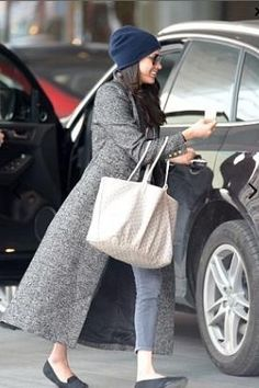 Meghan Markle wearing Smythe Brando Coat in Salt