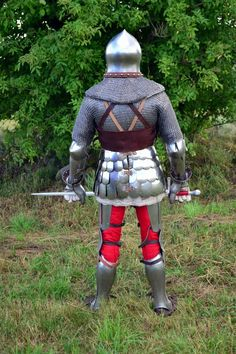 Photo Medieval Knight, Medieval Armor, Knight In Shining Armor, Arm Armor, 14th Century, Middle Ages, History, Fencing, Helmets