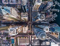 """Durante un mes (desde el pasado 30 de mayo y hasta el 30 de junio)  Dronestagram  tuvo abierto el plazo para subir fotografías a la red social y participar en la cuarta edición del premio que la web organiza junto a National Geographic. Guillaume Jarret, director de la plataforma, cuenta que la participación este año ha supuesto un récord: """"Más de 8.000 fotos y 4.000 participantes, un símbolo del gran entusiasmo social por los drones relacionados con el ocio"""".  En la imagen,  Jungla de…"""