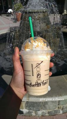 """Butterbeer Frapp, what to ask for to order one the """"recipe""""! Happy Birthday 'Arry... yer a wizard. Breve coffee frapp with a shot of toffee nut and a shot of caramel syrup. Starbucks Frappuccino, Fun Drinks, Yummy Drinks, Yummy Food, Harry Potter Treats, Give Peas A Chance, Toffee Nut, Beer Making Kits"""