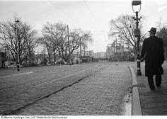 Afgebroken stadsdelen wegens aanleg van de 'Atlantikwall' ter hoogte van de 2e Sweelinckstraat, hoek Stadhoudersplein, Den Haag (1942-1944)