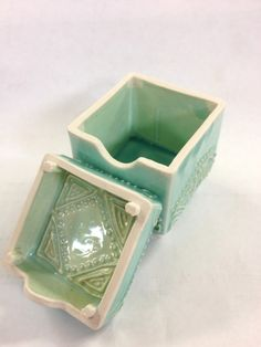 AshenWren Ceramics - Slip Trailed Box
