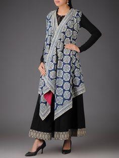 Blue - Ecru Ajrakh Cotton Cape Indian Fashion, Boho Fashion, Fashion Outfits, Outer Batik, Nice Dresses, Casual Dresses, Look Short, Batik Fashion, Batik Dress
