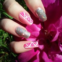#summernails #kesäkynnet #sommarnaglar #sunnyday #nailart #girlynails #pinknails #pinkitkynnet #nailartdesign #naildesign #freehandnailart #kynsikoristelut #nails #nailswag #realnails #instanails #longestnails #glitternails #glitternaglar #sparklenails #sparklynails #blingbling #lumene #konehelsinki #mavala #summer #sommar #kesä #rose #ruusu