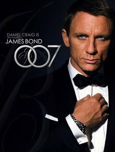 Daniel Craig is my favorite James Bond as in Casino Royale, Quantum of Solace, and Skyfall and Spectre! Casino Royale, Daniel Craig James Bond, Craig Bond, James Bond Movie Posters, James Bond Movies, Sean Connery, Rachel Weisz, Sam Heughan, Estilo James Bond