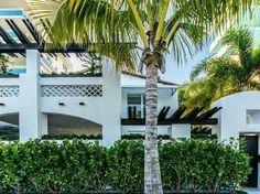 222 OCEAN DR, Miami Beach, FL