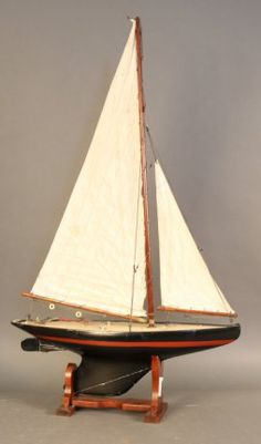 Pond yacht ''Heather Dew'' with lead keel.