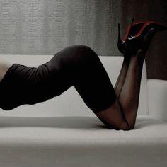 with girls girls girls flirt Poses Boudoir, Boudoir Photography Poses, Body Photography, Boudoir Legs, Fotografia Sexy, Sexy Poses, Photo Poses, Sexy Legs, Fashion Clothes