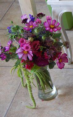 August bouquet of garden flowers, British Flowers, sustainable wedding flowers, eco florist, www.wildandwondrousflowers.co.uk