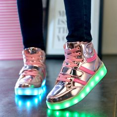 boys girls 7 Colors High-top LED Shoes for kids White Black Glowing Light Up Shoes Flat LED Luminous Shoes chaussure children