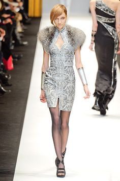Snow QUEEN. Fur Shoulders are to-die. Leonard. Paris. Fall/Winter RTW 2012. Follow pins and tweets @Giselle Ugarte