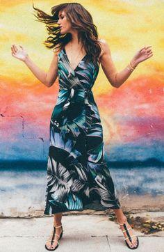 Natalie Suarez de Vestido Maxi Estampado