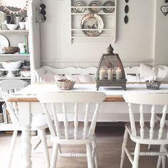 Shabby and Charme: Uno splendido romantico cottage Romantic Cottage, Shabby Cottage, Shabby Chic Furniture, Shabby Chic Decor, Home Decor Near Me, Interior Design Advice, Cottage Interiors, Home Fashion, Kitchen Dining