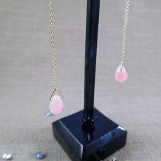 Boucles d'oreilles mougins en perles de verre facettées rose