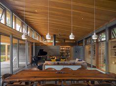 ▷ Ranch Stil Haus in der Art von Bohlin Cywinski Jackson - Neue Deko-Ideen Architecture Romane, Architecture Baroque, Concrete Fireplace, Concrete Floors, Deco Tv, Board Formed Concrete, Jackson House, California Ranch, Design Suites
