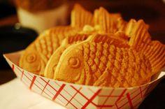 붕어빵 (Boongeobbang) - crispy waffle pastry filled with sweet red bean paste.